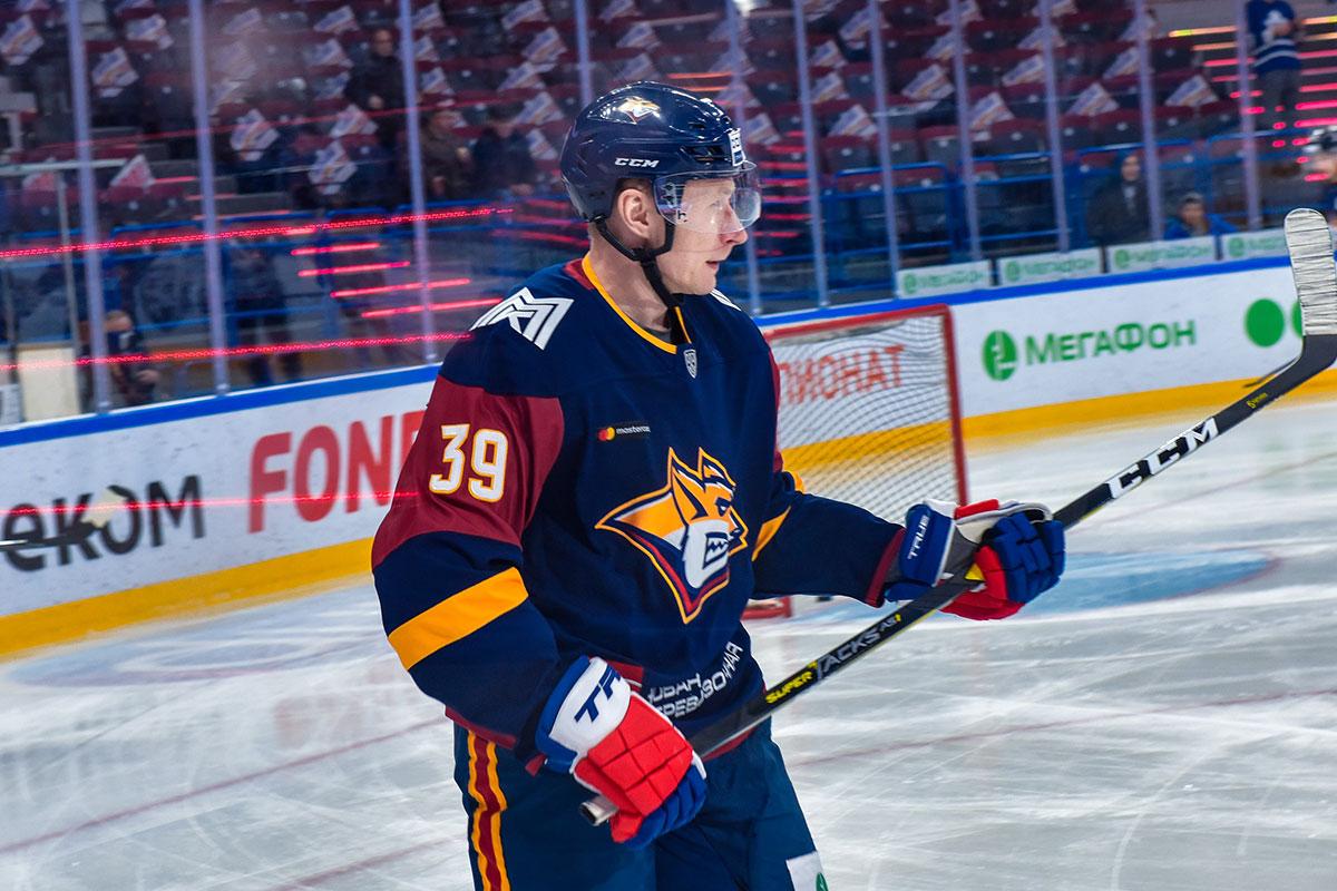 http://magnitka-sport.ru/images/news/magsport/2019/hockey/player/platonov.jpg